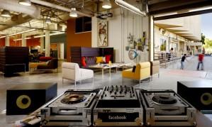 Área de relaxamento na sede do Facebook em Palo Alto, na Califórnia
